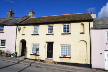 £240,000 - 4 Bedroom Terraced Cottage For Sale in Lifton area – click for details